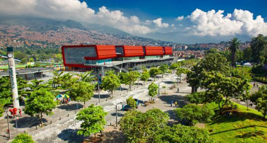 Medellín, ciudad experta en innovación, abre sus puertas al sector turismo